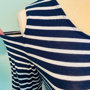 Vince Camuto Womens Striped Cold Shoulder Shirt